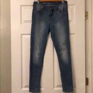 NWOT Size 2 Super Skinny Mid Rise Jeans